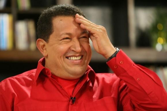 Hugo-Chávez-sonrie-580x386