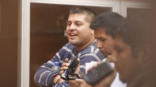 NARCOTRAFICANTE INTERVENIDO POR EL PERSONAL DE LA DINANDRO EN SAN MIGUEL VILCAHUARA 467 LO TRASLADAN PARA HACER DILIGENCIAS EL INTERVENIDO PAUL ESKENAZI