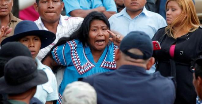 indigenas_panameos_protestan_hidroelctrica