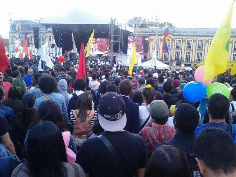 concentracion_por_paz_plaza_bolivar-1