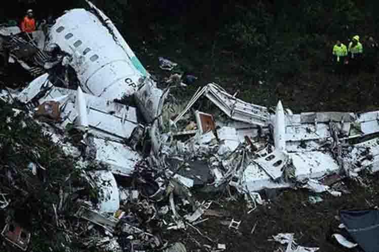 restos-avion-lamia