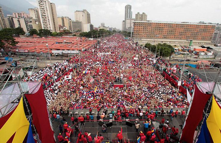 Gigantescas-movilizaciones-populares-en-Venezuela-son-invisibilizadas-por-la-prensa-burguesa-mundial-que-aviva-la-violencia-y-el-terrorismo-de-la-derecha.