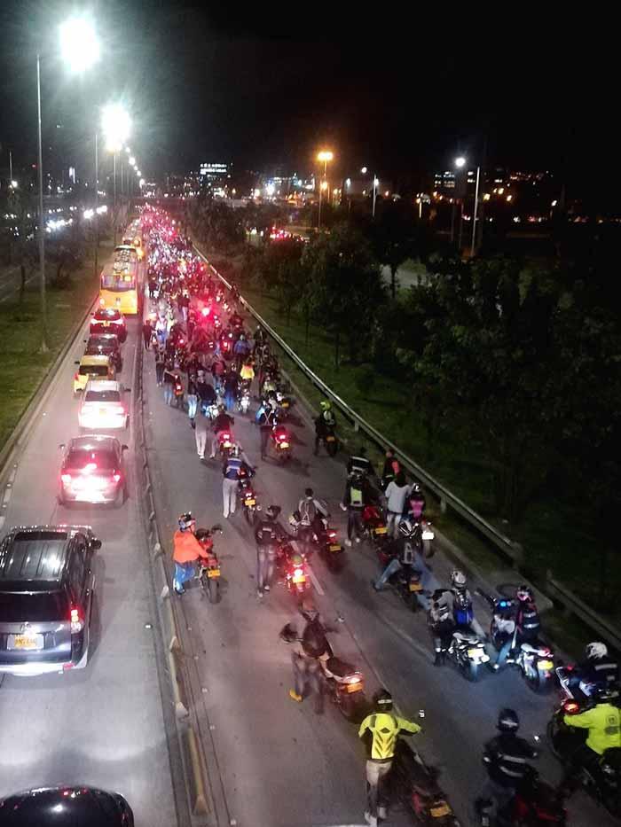 motociclistas-bogota-2