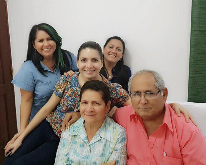 J.A.Hernández G y su familia